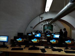 Fotografia aula informatizzata a Via Porta di Massa